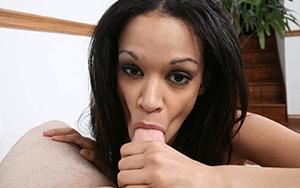 Latina Luder beim Blowjob